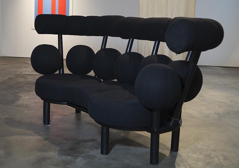 <strong>PETER OPSVIK (f. 1939)</strong><br /> <em>Globe sofa</em><br /> Stokke<br /> Formgitt 1985